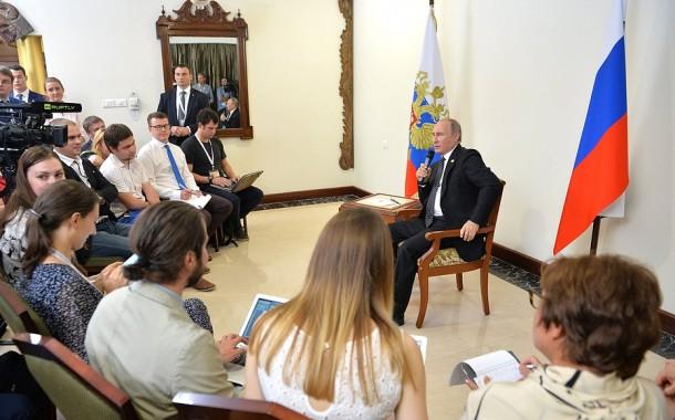 Odpovede V. Putina na otázky novinárov po summite BRICS